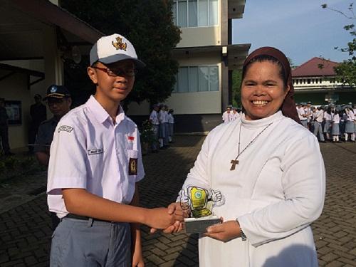 Lomba Mandarin SMA GB_1